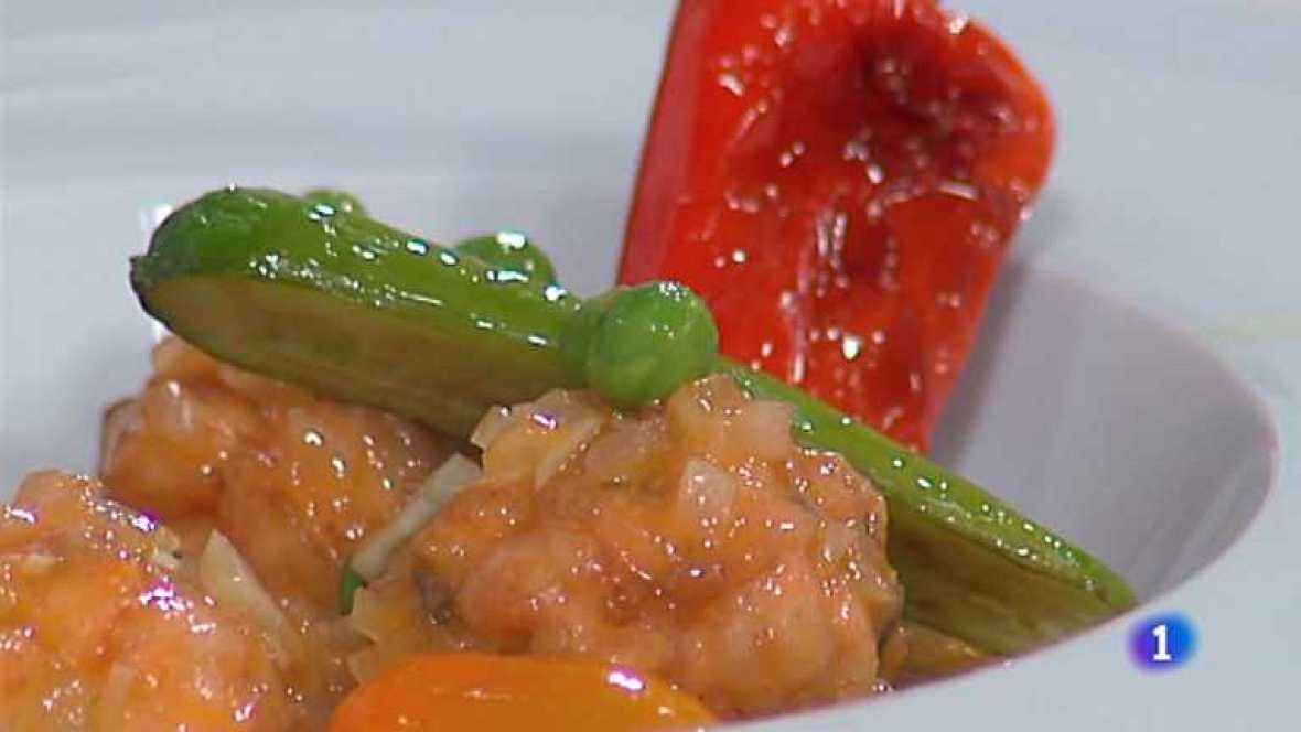Cocina con sergio alb ndigas de salm n en salsa con - Cocina con sergio pepa ...
