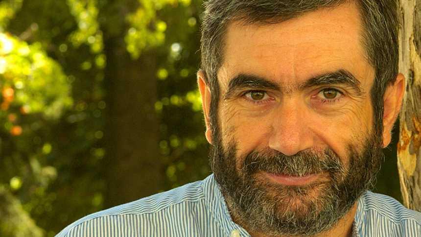 Antonio Muñoz Molina, el puente literario entre la posguerra y la democracia