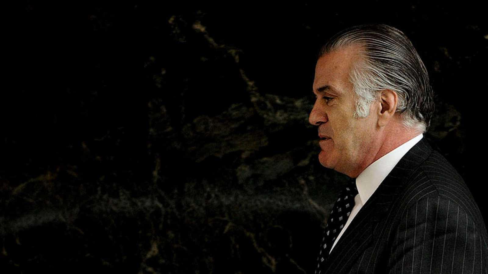Bárcenas explica la presunta financiación ilegal y dice que pagó 90.000 euros a Rajoy y Cospedal