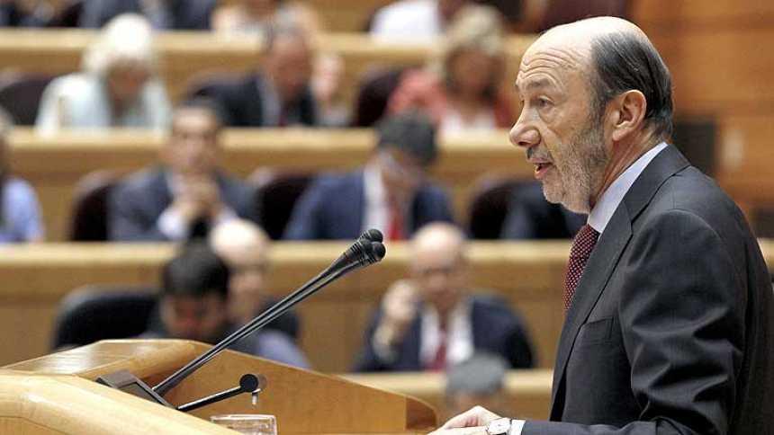 Rubalcaba acusa a Rajoy de mentir a los españoles
