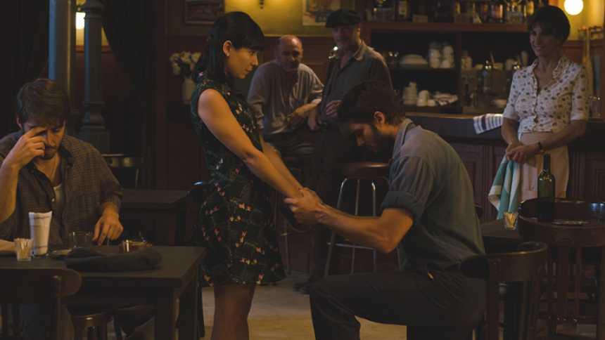 Gran Reserva. El origen - Roberto pide matrimonio a Manuela (Capítulo 74)