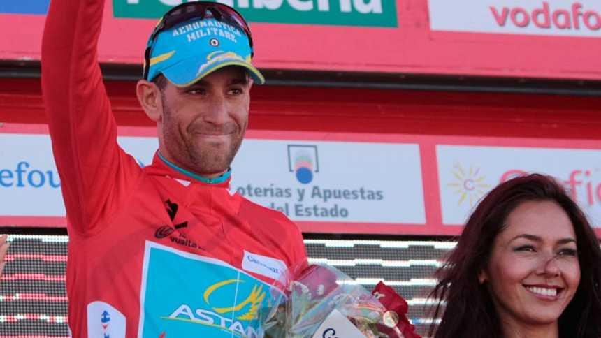 Nibali ya viste de rojo desde la segunda etapa de la Vuelta