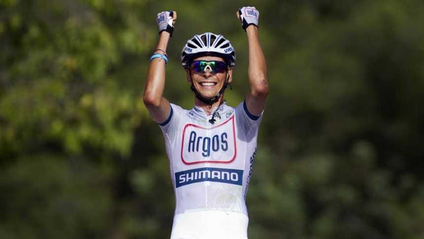 El joven corredor Warren Barguil se hace grande en la meta de Castelldefels
