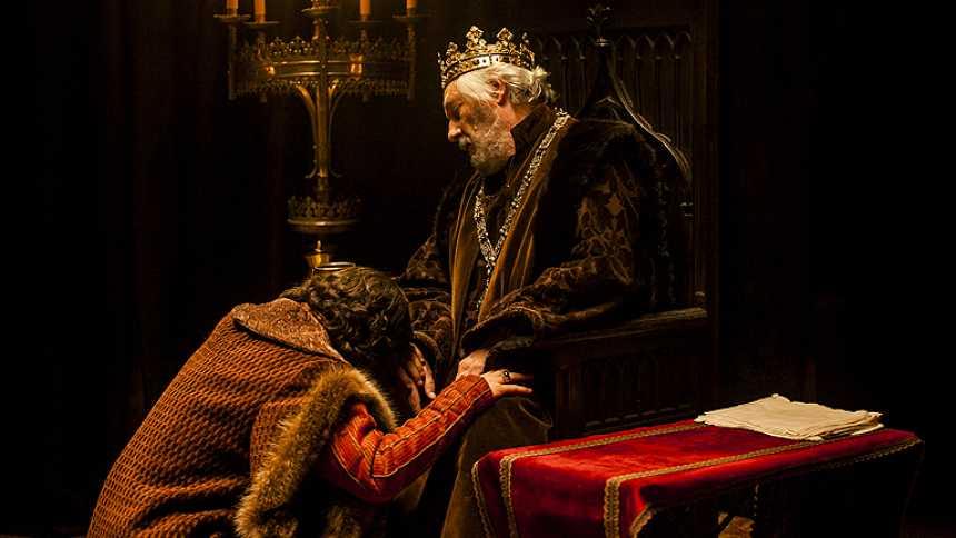 Isabel - Muere Juan II, Fernando es rey de Aragón