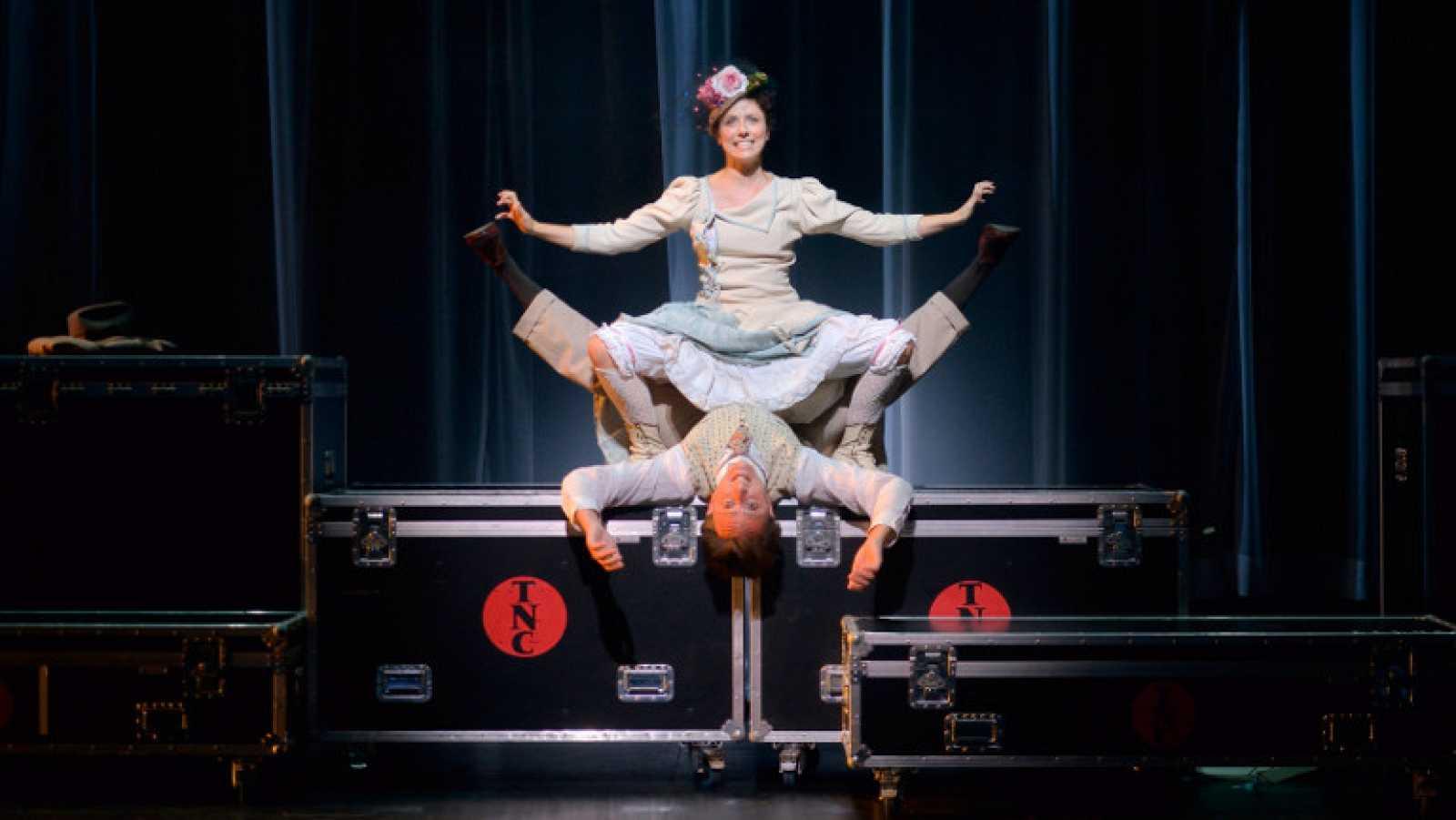 El teatre nacional de catalunya homenajea a los for Espectaculo de variedades