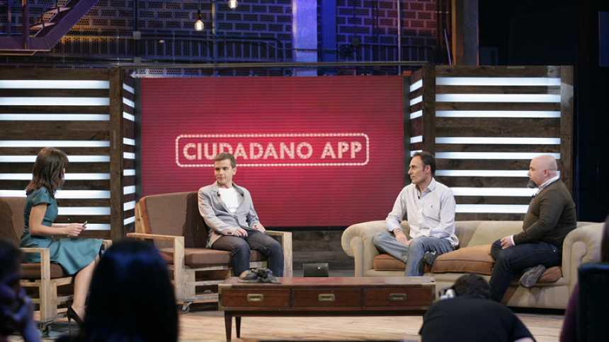 """El debate: """"Ciudadano App"""", nuestra vida resuelta por el smartphone"""