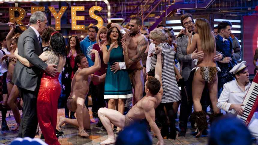 Actuación: The Hole enciende Torres y Reyes