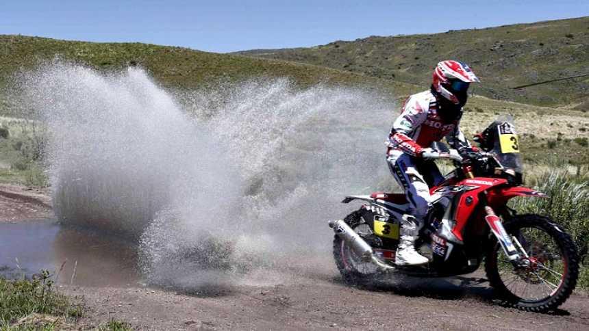 Barreda, victoria y susto en su primera etapa en un Dakar con Honda