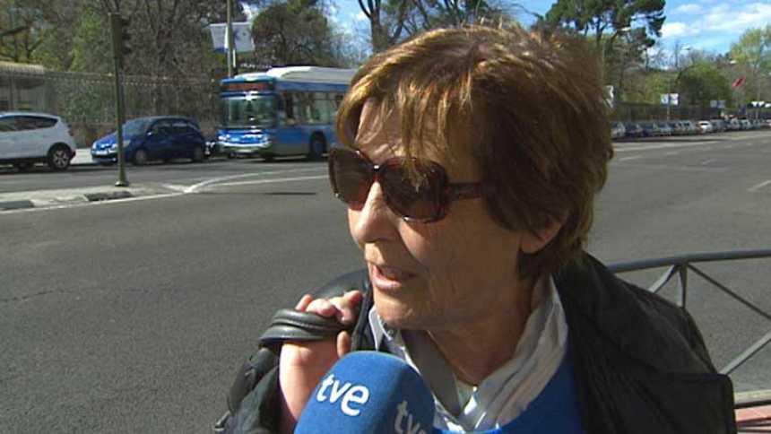 La muerte de Suárez llena las conversaciones de las calles españolas