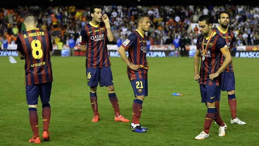 El gran Barça hinca la rodilla