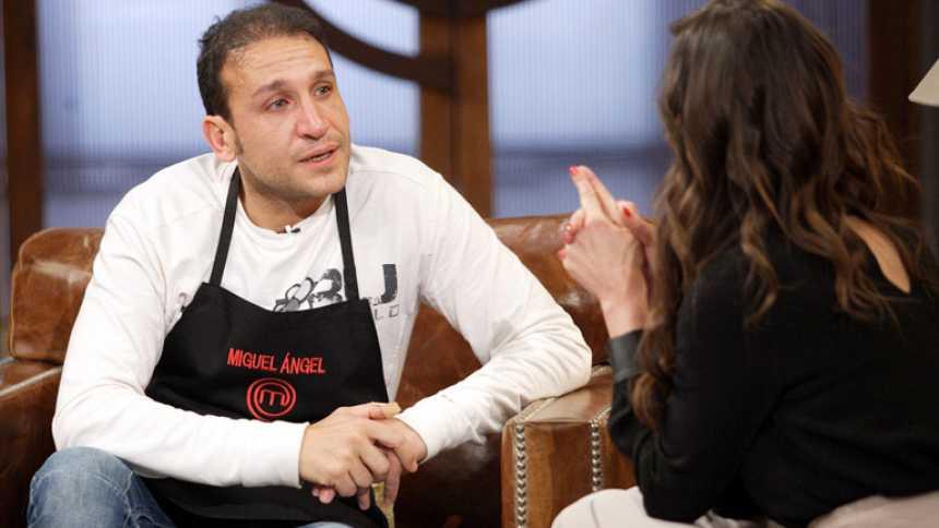 MasterChef  - Miguel Ángel cuelga el delantal muy emocionado
