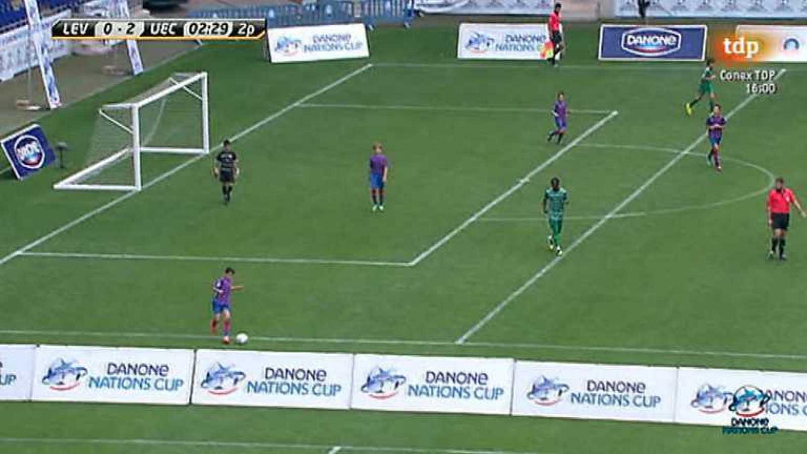 Para todos los públicos Fútbol alevines - Danone Nations Cup  Final - Ver  ahora reproducir video 8be67e01743bc