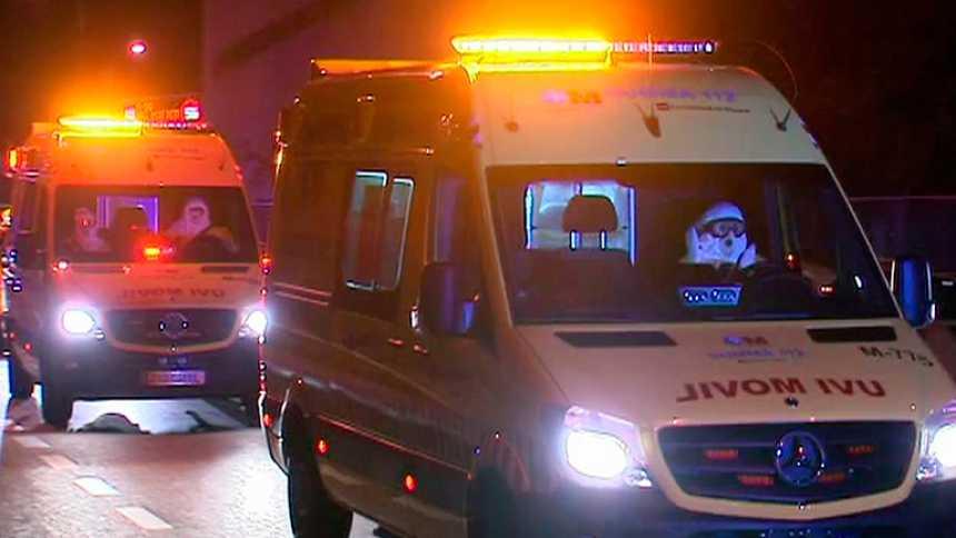La auxiliar recibe suero contra el ébola y Sanidad vigila a 22 personas con las que tuvo contacto
