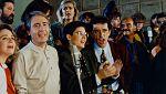 Las estrellas de la tele cantan 'Que no se acabe el mundo' (1990)