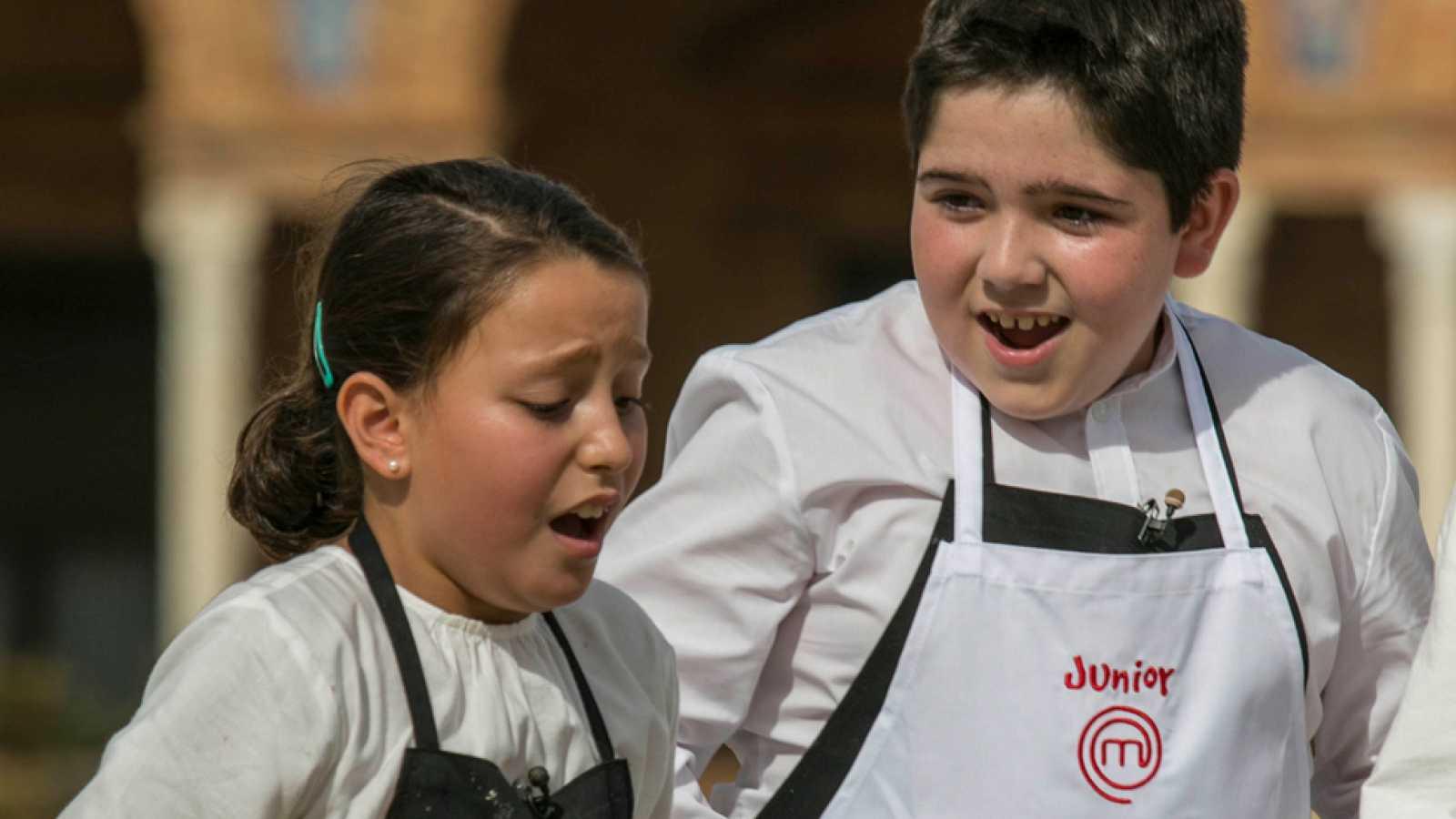 Teresa y Lluc vuelven a las cocinas de MasterChef - RTVE.es