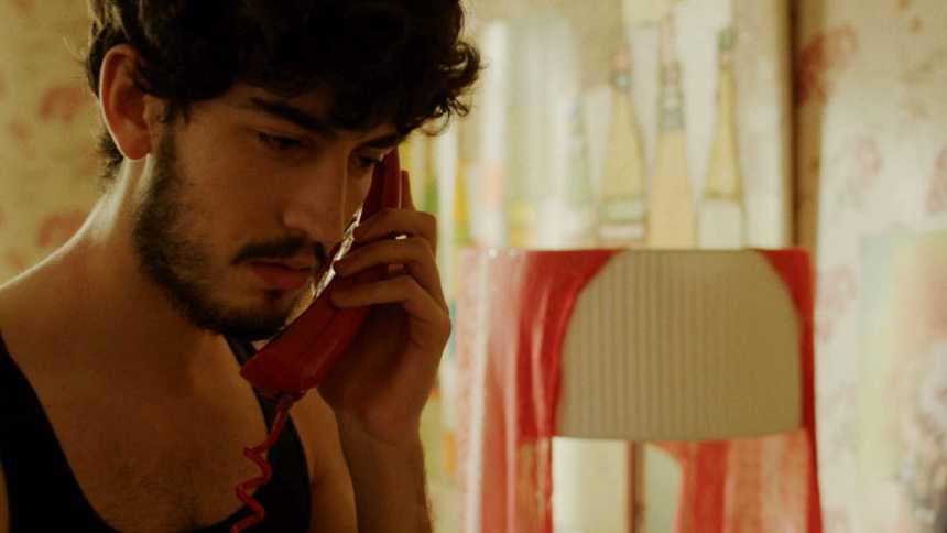 Cuéntame cómo pasó - La dura llamada de Antonio a Josete