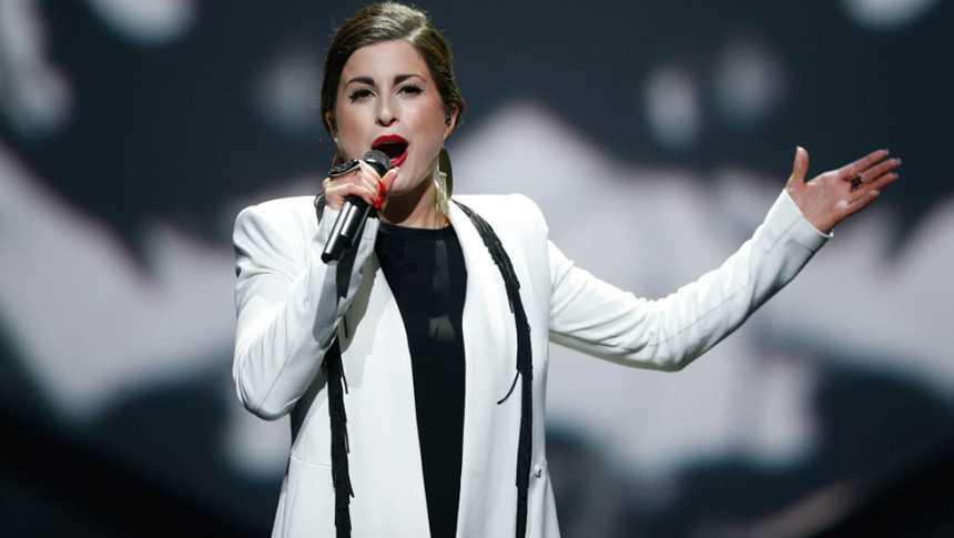 "Eurovisión 2015 - Alemania: videoclip de Ann Sophie -  ""Black smoke"""