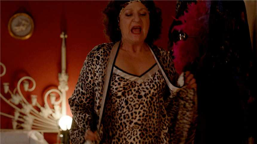 Cuéntame cómo pasó - Nieves, la Tina Turner de San Genaro