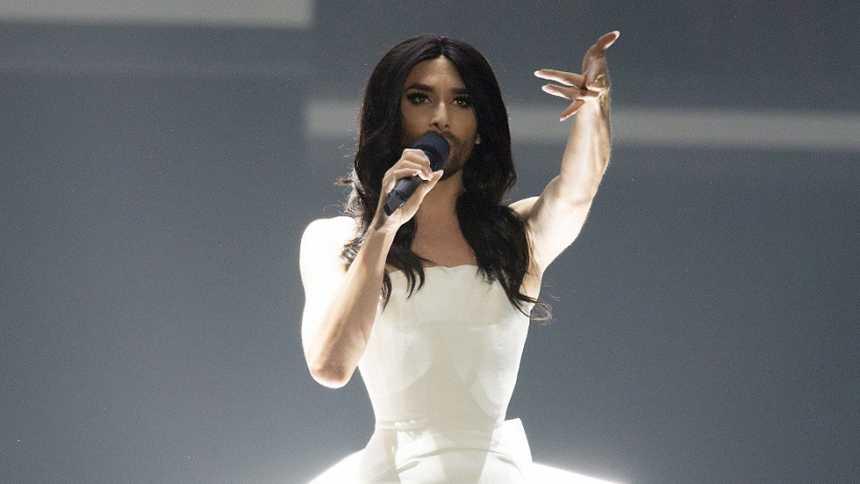 Eurovisión 2015 - Conchita inaugura la Semifinal 1
