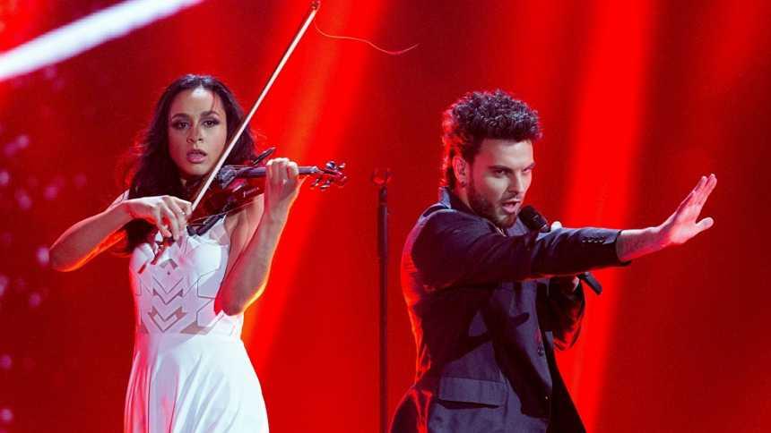 "Eurovisión 2015 - Semifinal 1 - Bielorrusia: Uzari & Maimuna canta ""Time"""