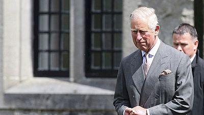 El Príncipe Carlos visita el lugar donde el IRA asesinó a su tío-abuelo