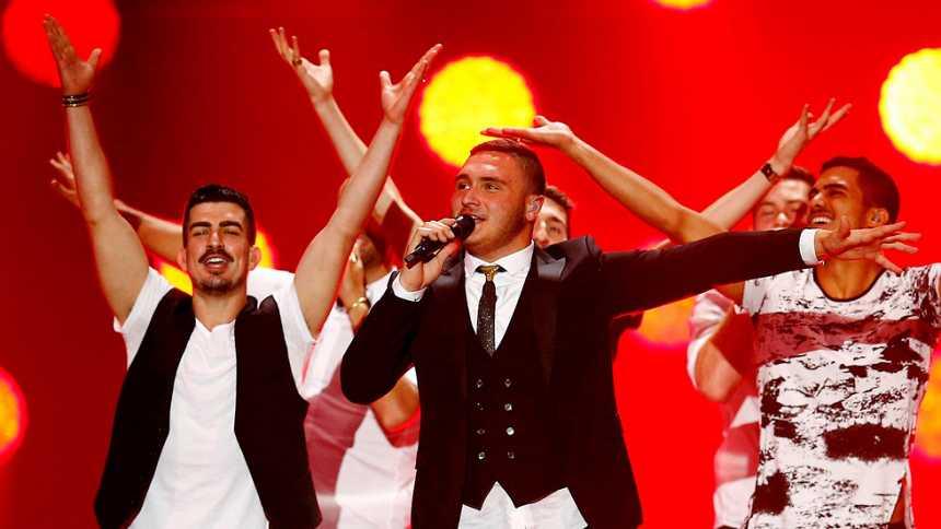 Eurovisión 2015 - Semifinal 2 - Israel: Nadav Guedj canta `Golden Boy'