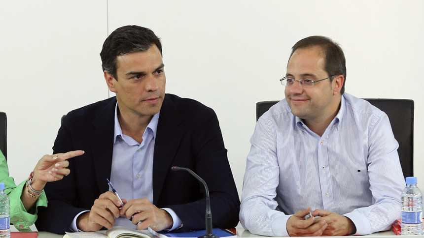 Pedro Sánchez hablará de pactos con sus 'barones' y llamará a Iglesias y Rivera