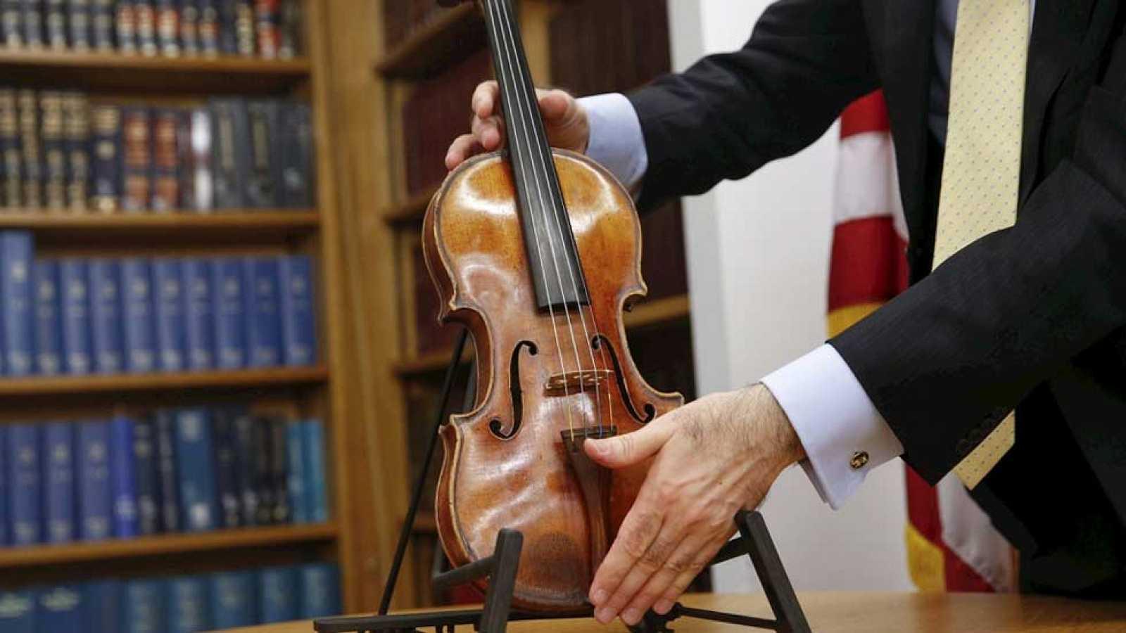 29bb79406 Para todos los públicos Recuperado un Stradivarius 35 años después de su robo  reproducir video