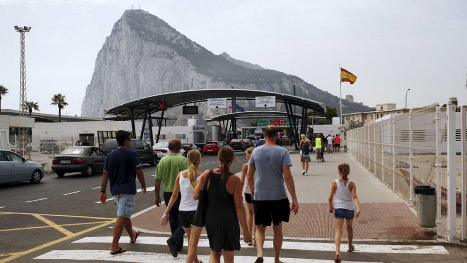 Reino unido acusa a espa a de violar la soberan a for Exteriores espana