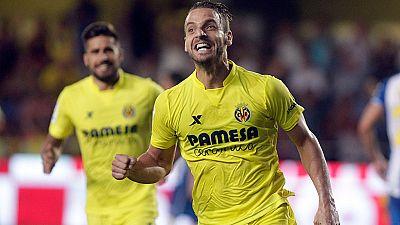 """Roberto Soldado, con dos goles y dos asistencias en dos partidos, reconoce que no se esperaba empezar con tan buen pie la temporada en el Villarreal pero asegura que todavía puede dar """"mucho más""""."""