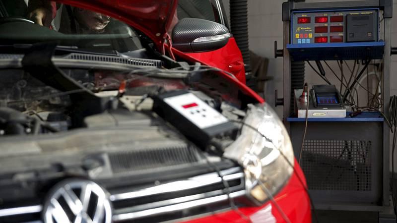 Volkswagen trucaba las emisiones con un software que se iniciaba en las revisiones