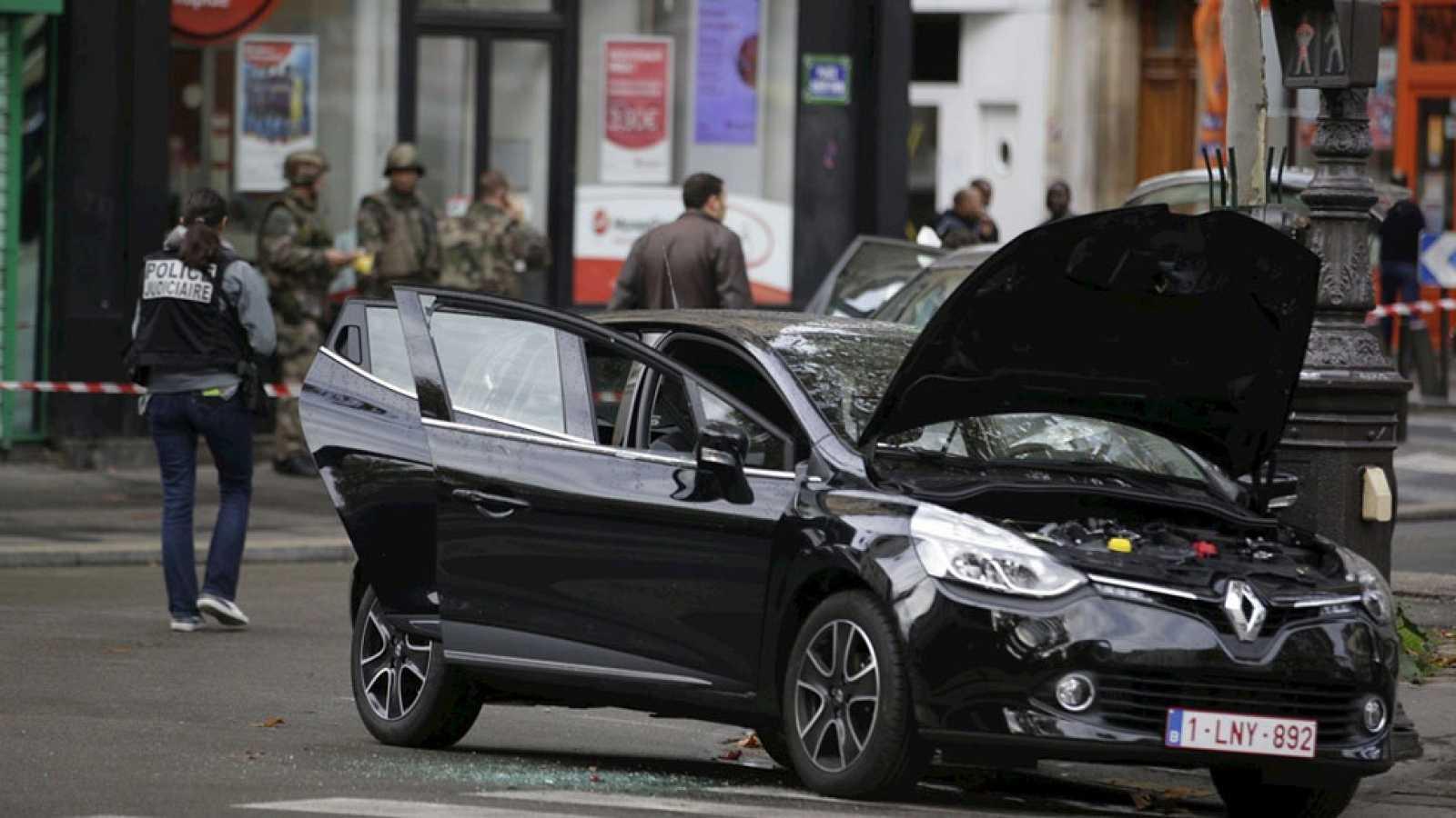 La policía francesa halla un tercer coche que habrían usado los ...