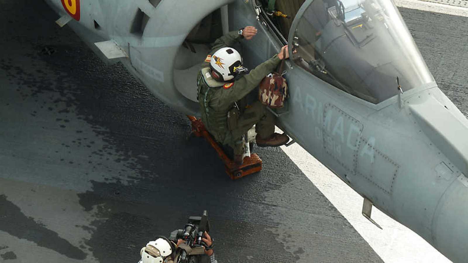 Para todos los públicos Crónicas - La fuerza de la OTAN - ver ahora  reproducir video 0f651d249f4