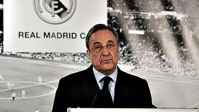 El Real Madrid ha anunciado este lunes la destitución de Rafa  Benítez como entrenador del primer equipo, tras solo siete meses en  el cargo, y ha confirmado que el francés Zinédine Zidane, hasta ahora  técnico del Real Madrid Castilla, será su susti
