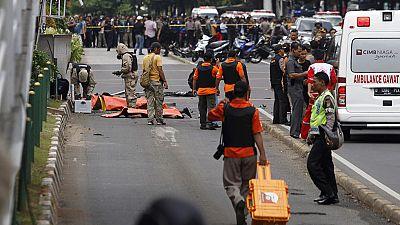 Atentado múltiple del Estado Islámico en Yakarta