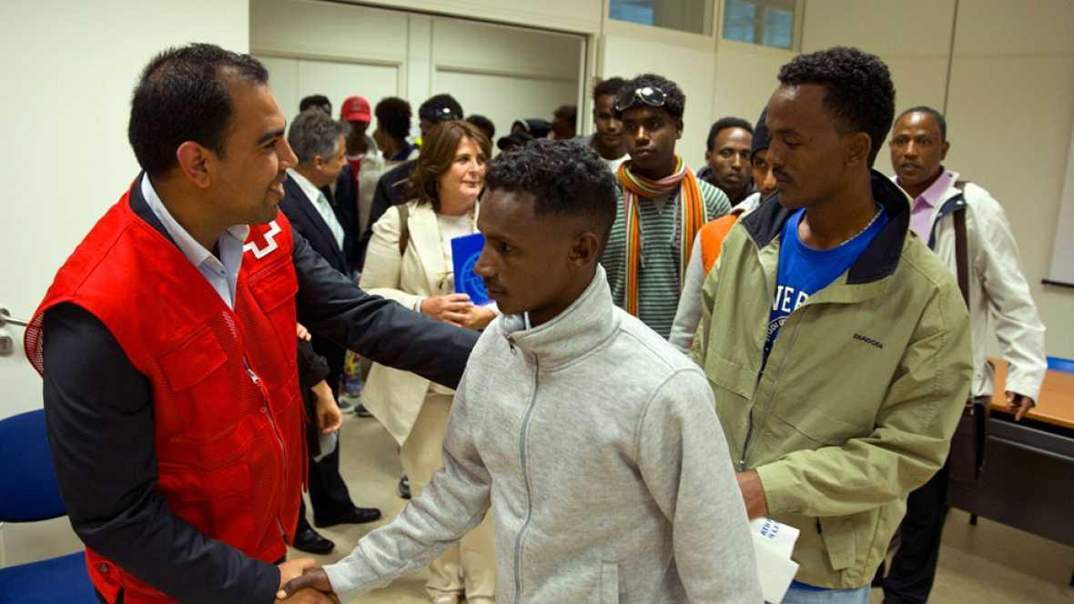 Resultado de imagen de Llegan a España 17 refugiados eritreos procedentes de Italia