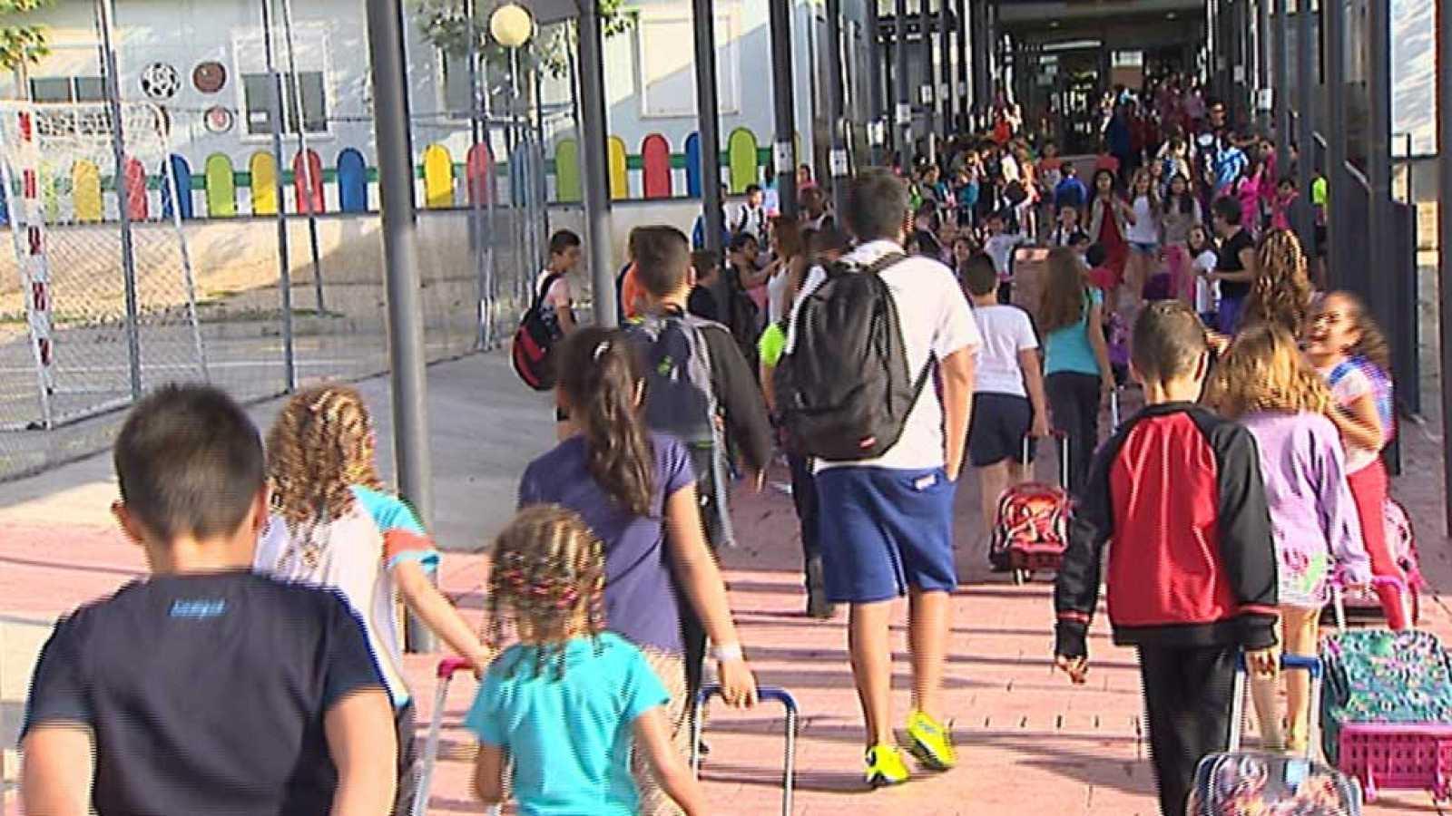 Vuelta a clase de los alumnos del colegio de El Quiñón, en Seseña ...