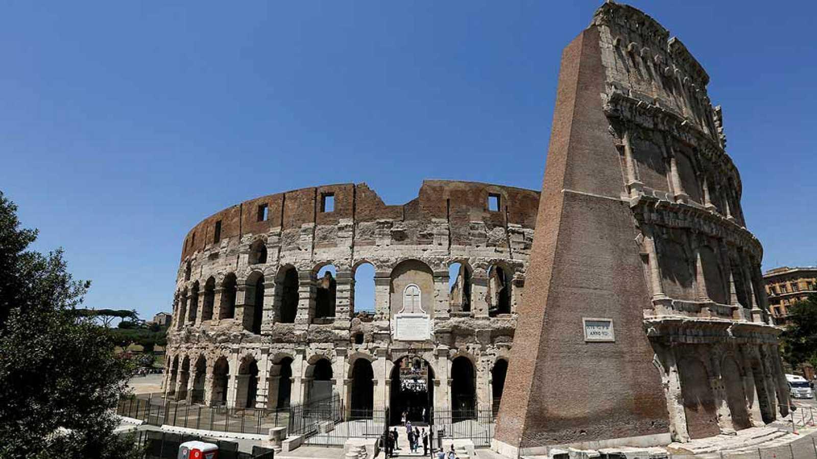 El Coliseo De Roma Recupera Su Esplendor Tras Tres Años De