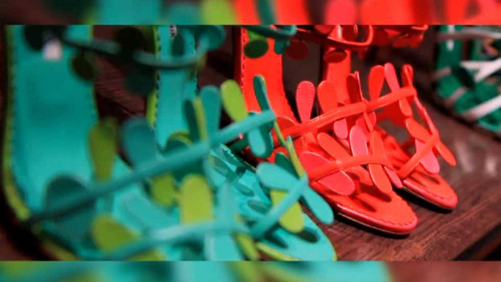 ee03731d ... Flash Moda Monográficos - Manolo Blahnik. Dibujante de zapatos - ver  ahora reproducir video