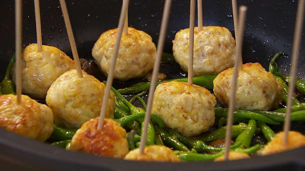 Cocinar Albondigas Caseras   Torres En La Cocina Receta De Albondigas De Pollo Con Salsa De