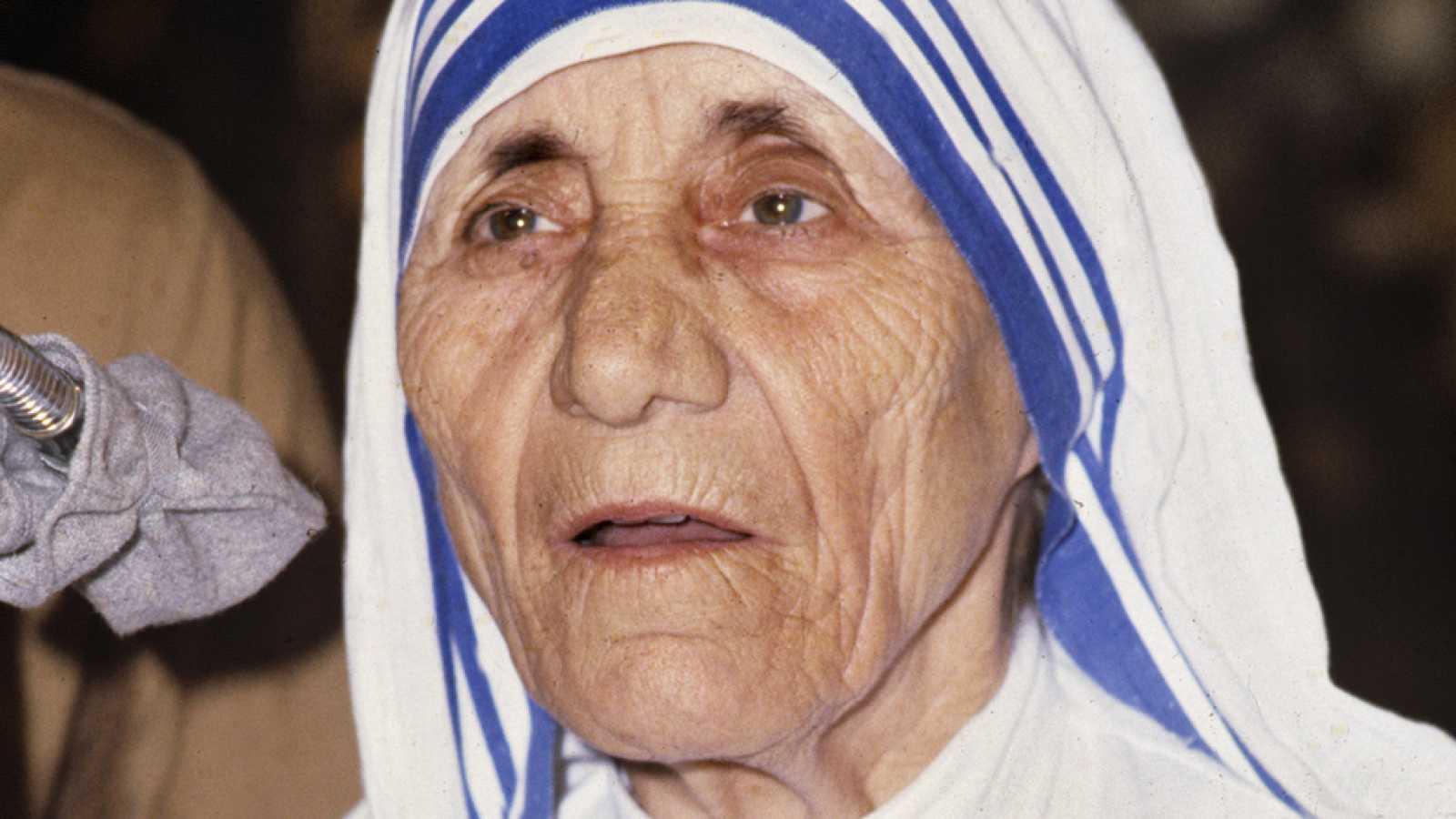 Teresa De Calcuta La Santa De La Caridad De Los Pobres Y De Las