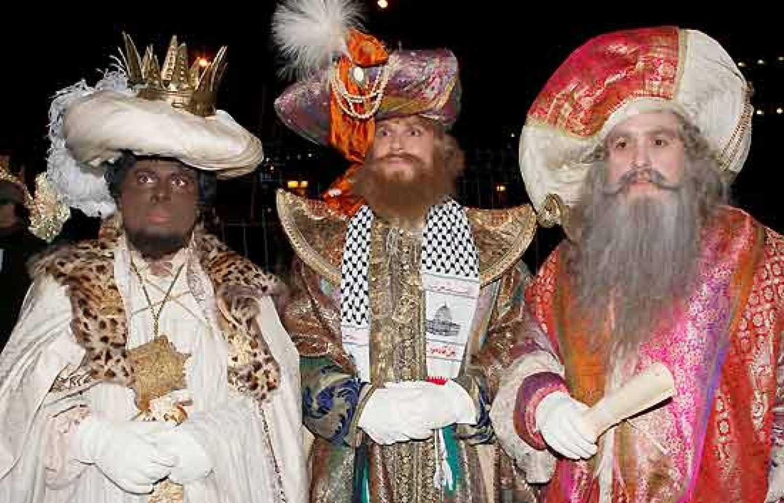 Ver Fotos De Los Reyes Magos De Oriente.Los Reyes Magos De Oriente Llegan Cargados De Regalos