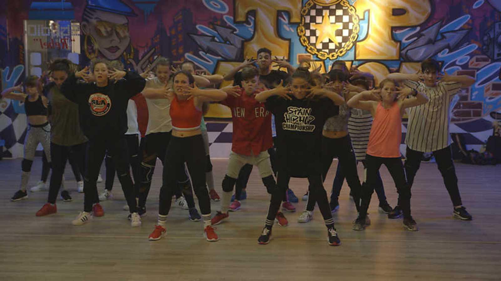 2cdd002c1a Para todos los públicos El Baile de los Ángeles - Capítulo 2 - ver ahora  reproducir video