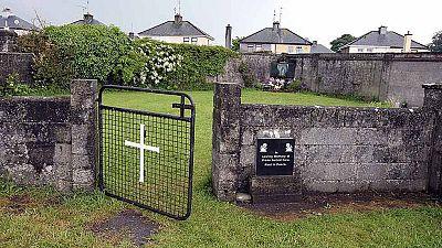 Hallan en Irlanda un gran número de cadáveres de bebés en un convento
