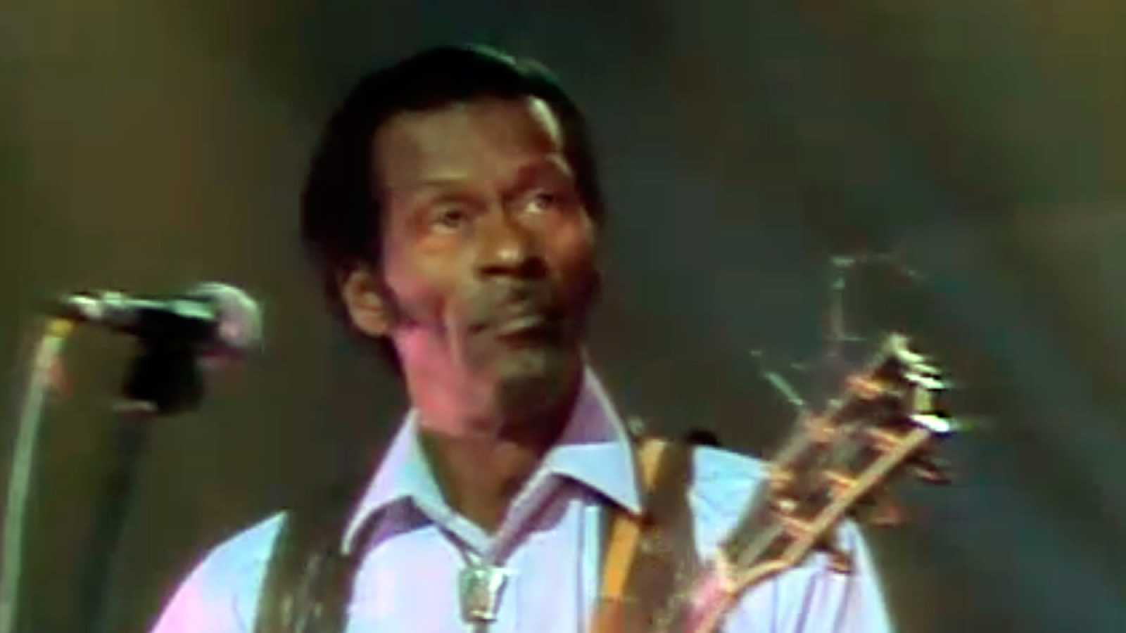 Chuck Berry: Let It Rock (Sábado Noche, 1987)
