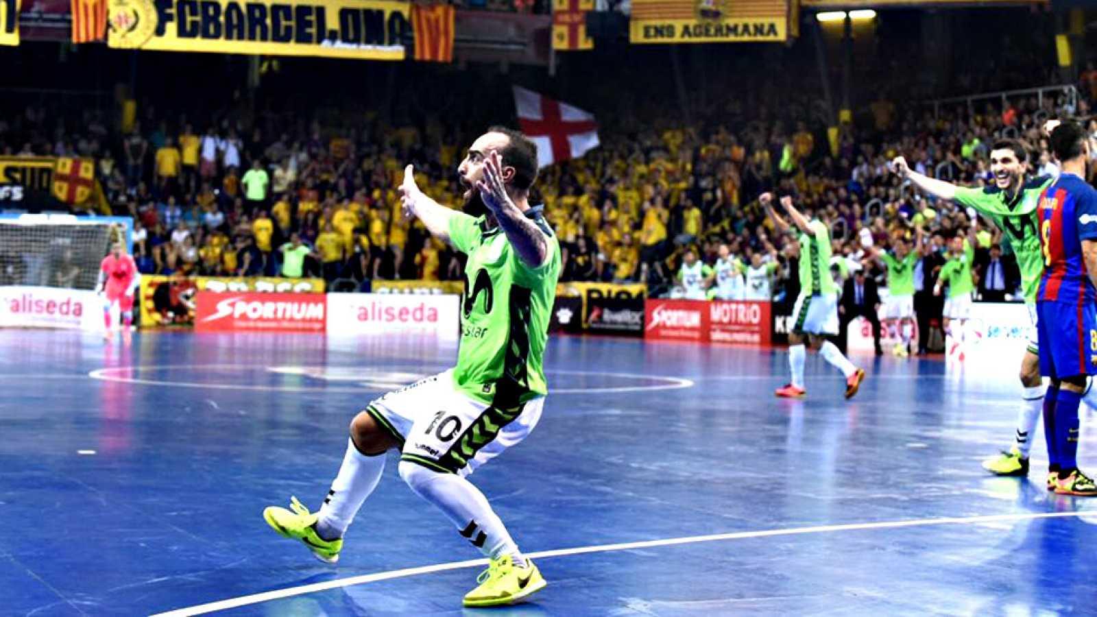 El equipo madrileño se impone 1-6 en Barcelona y llevará la final de la  reproducir video c1f4998f79c9d