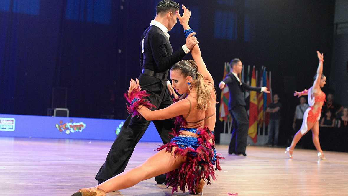 Baile deportivo los mejores momentos del campeonato de for Academias de bailes de salon en madrid