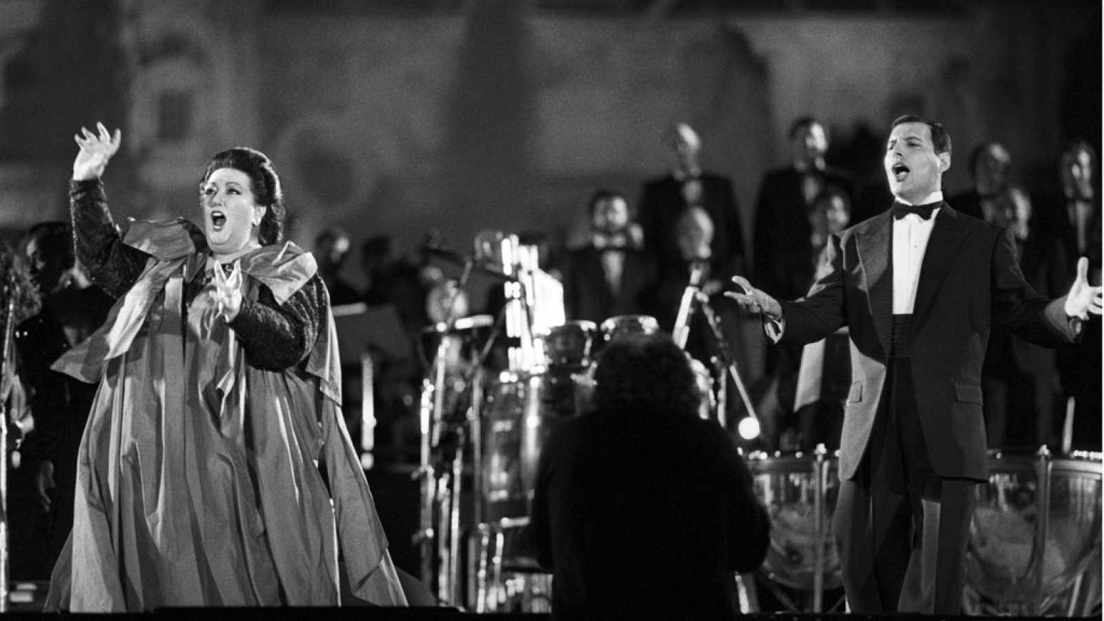 Freddie Mercury Y Montserrat Caballe El Simbolo Musical De