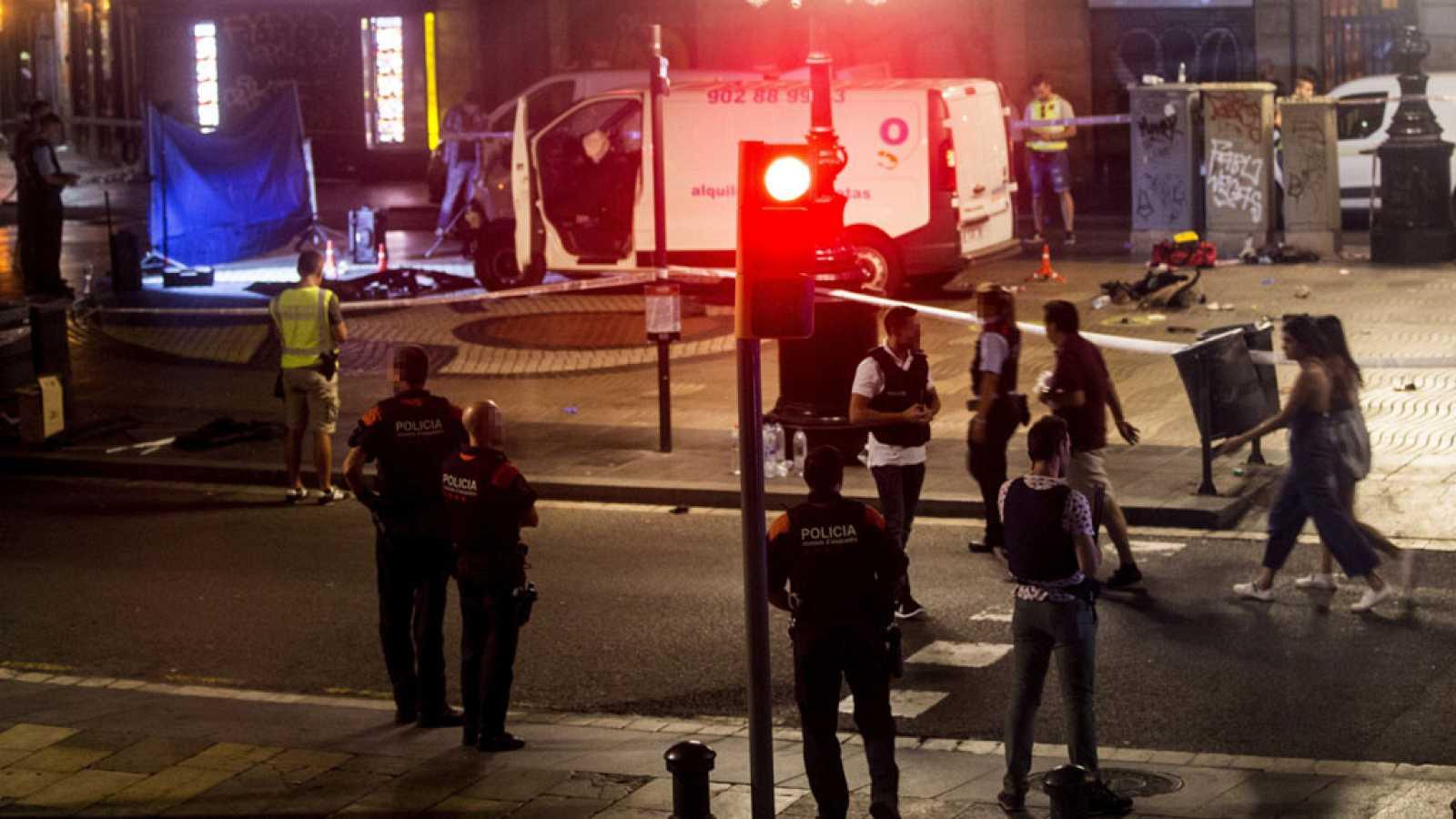 Al menos 13 muertos y un centenar de heridos en un atentado en las Ramblas  de Barcelona reivindicado por el Estado Islámico d1b5970892f