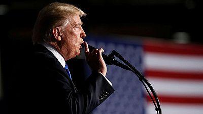 """Trump abre la puerta a un acuerdo político con los talibanes y exige """"reformas"""" al Gobierno afgano"""